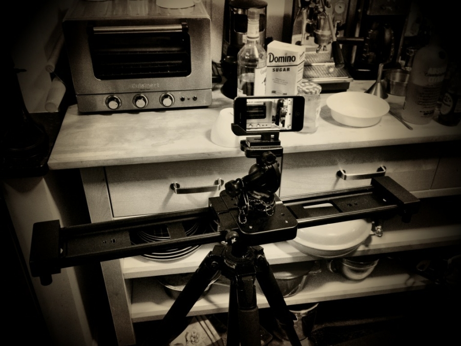 [Image: Image by @F9photo - Rig used to shoot &quot;Hand pressed Cappuccino&quot; http://f9p.co/1n on iPhone 4s w @KesslerCrane on Propic]