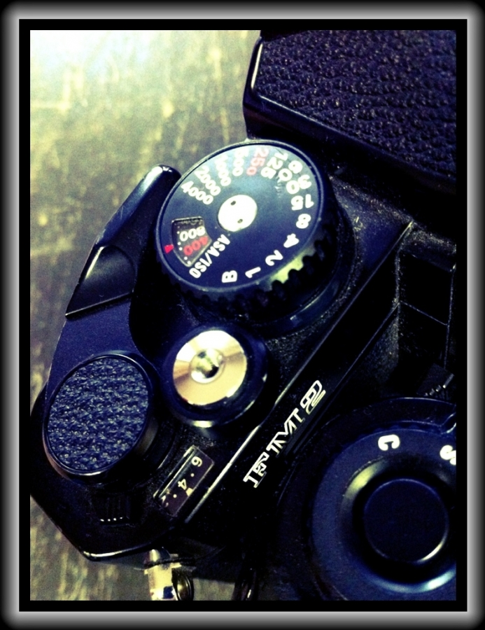 [Image: Nikon FM2n 4 by @adamrowens -  on Propic]