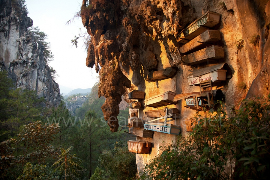 [Image: SFW012 Sagada Caves Philippines 001 by @SeanFWhite - Hanging coffins of Sagada, Philippines. Photography by Sean F. White. All Rights Reserved. on Propic]