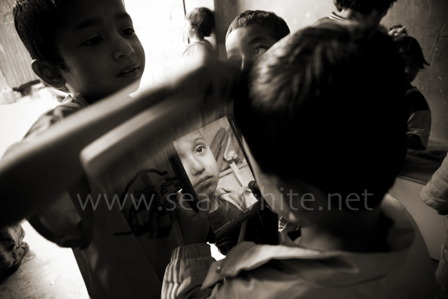 [Image: SFW027 Nepal Welfare Home Kids 011 by @SeanFWhite - Child welfare home, Pokhara, Nepal. Photography by Sean F. White. All Rights Reserved. on Propic]