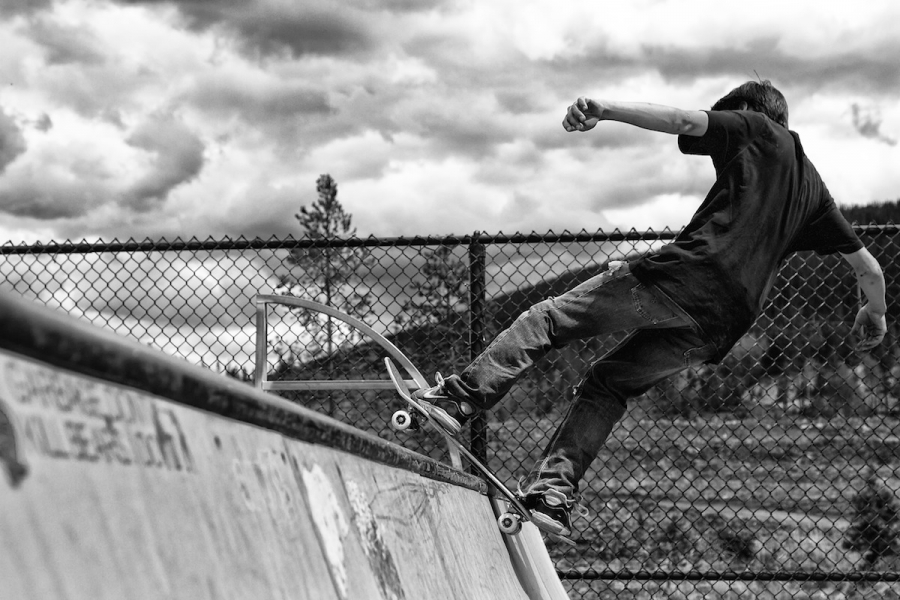 [Image: Skater BW by @DanielPDunn - love the black & white w/ skateboard on Propic]