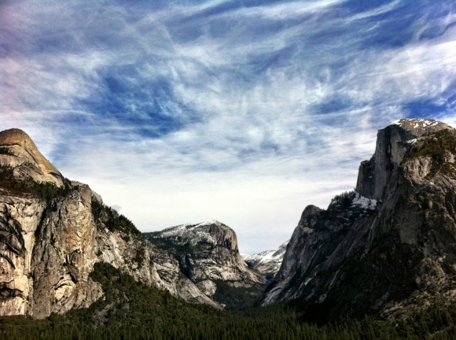 [Image: Image by @shawnreeder - What a gorgeous day in Yosemite looking up Tenaya Canyon #iPhoneography #HalfDome on Propic]