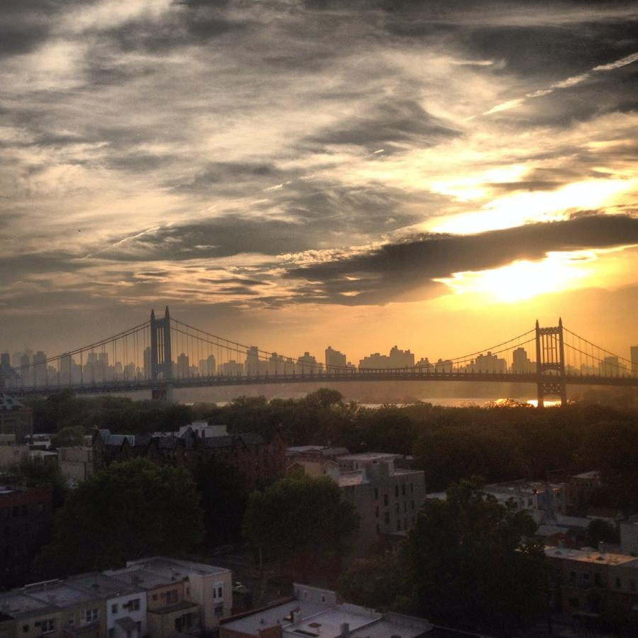 [Image: IMG 1871 by @MissHBomb - Repost: Golden sky heading into NYC via Train on Propic]
