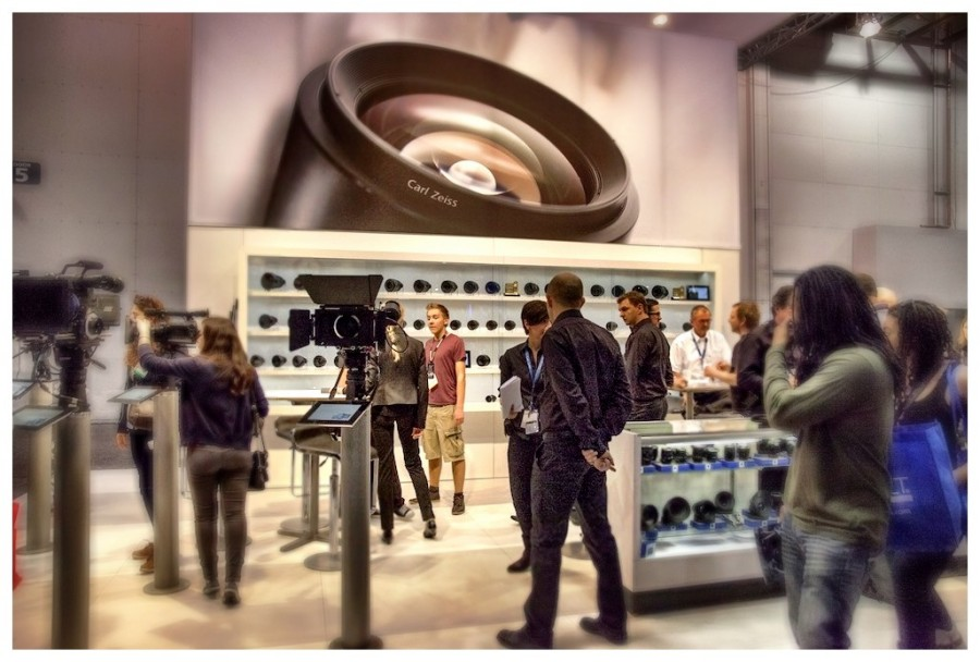 [Image: Photo1 by @MNS1974 - @zeiss booth at NAB on Propic]