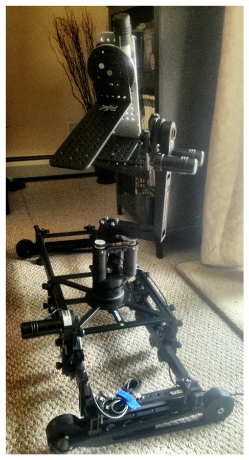 [Image: Photo1 by @MNS1974 - 4 Axis @kesslercrane action.  Shuttle Pod full size, rev head, turntable on Propic]