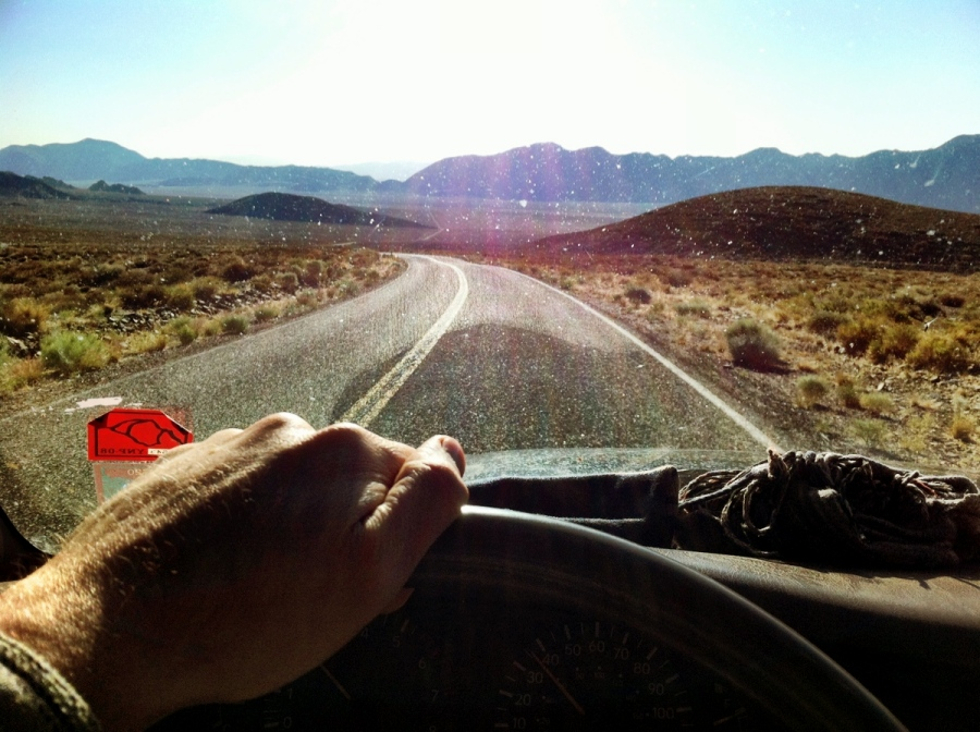 [Image: Photo by @shawnreeder - Beautiful morning heading into the desert #iPhoneography #selfportrait on Propic]