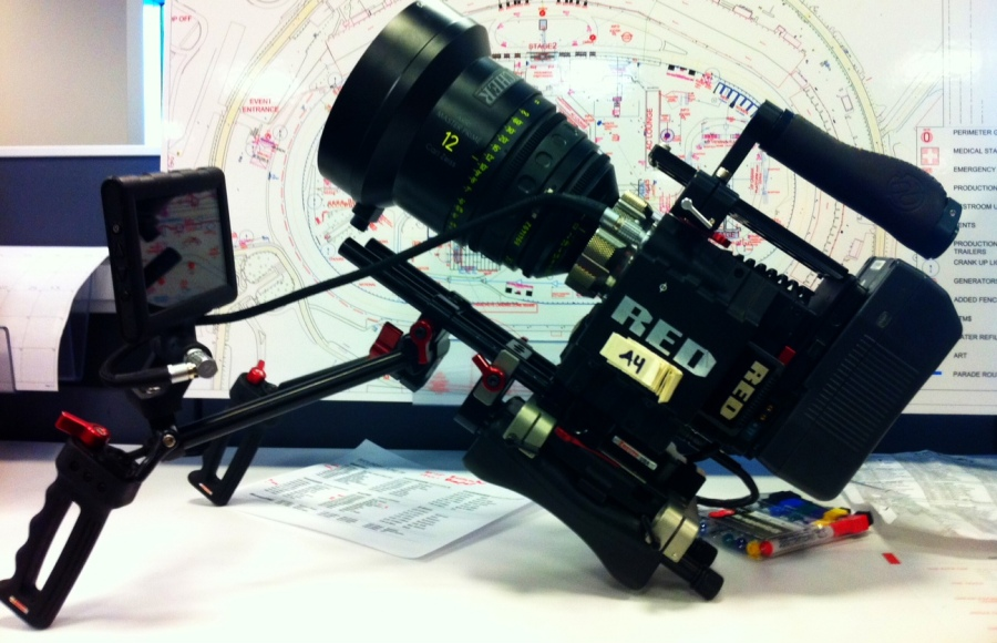 [Image: Photo by @drkanab - Tonight's rig is the RED Epic & 12mm Masterprime! EDC Day 2 let's go!!!! :) on Propic]