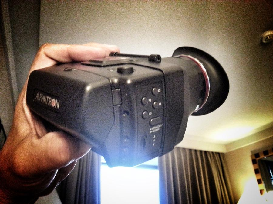 [Image: Image by @PhilipBloom - Now that is one serious sweet bit of kit @alphatrontv @tvlogic Sdi/hdmi evf using the iphone 4s retina screen #wow on Propic]