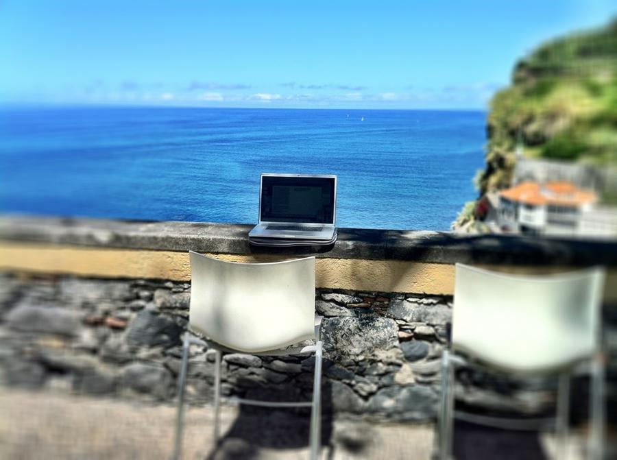 [Image: Image by @NinoLeitner - Another day at the office! #Madeira #islandsdoc #workshop on Propic]
