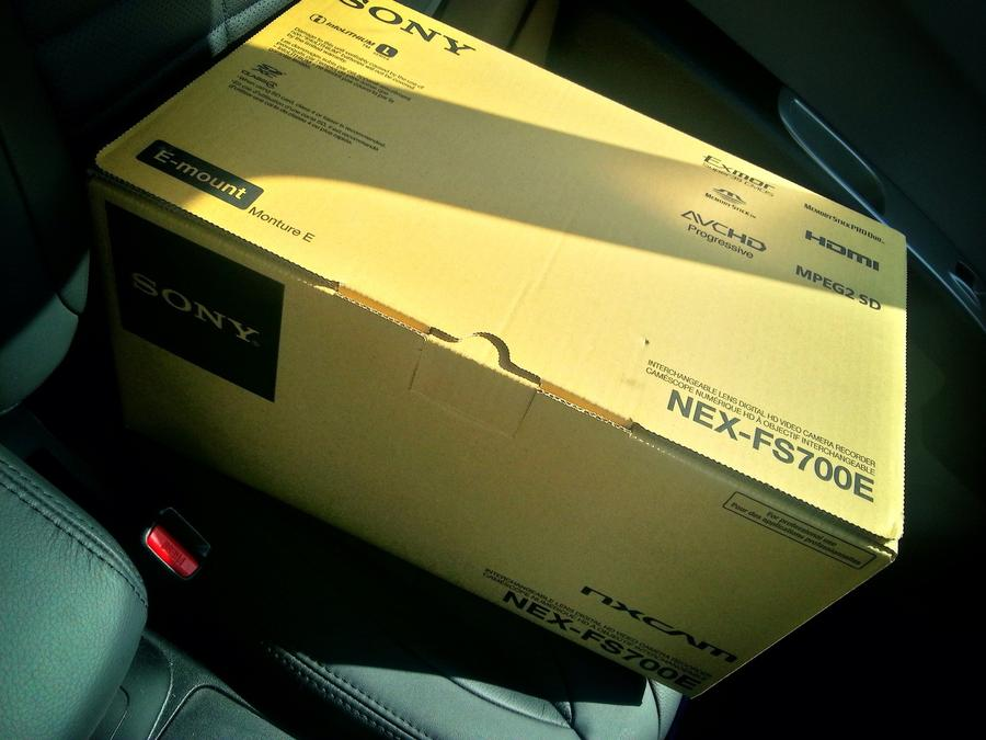[Image: Image by @PhilipBloom - My new toy. Racking my brain on how to do a 240fps unboxing of it! :) #catch22 on Propic]