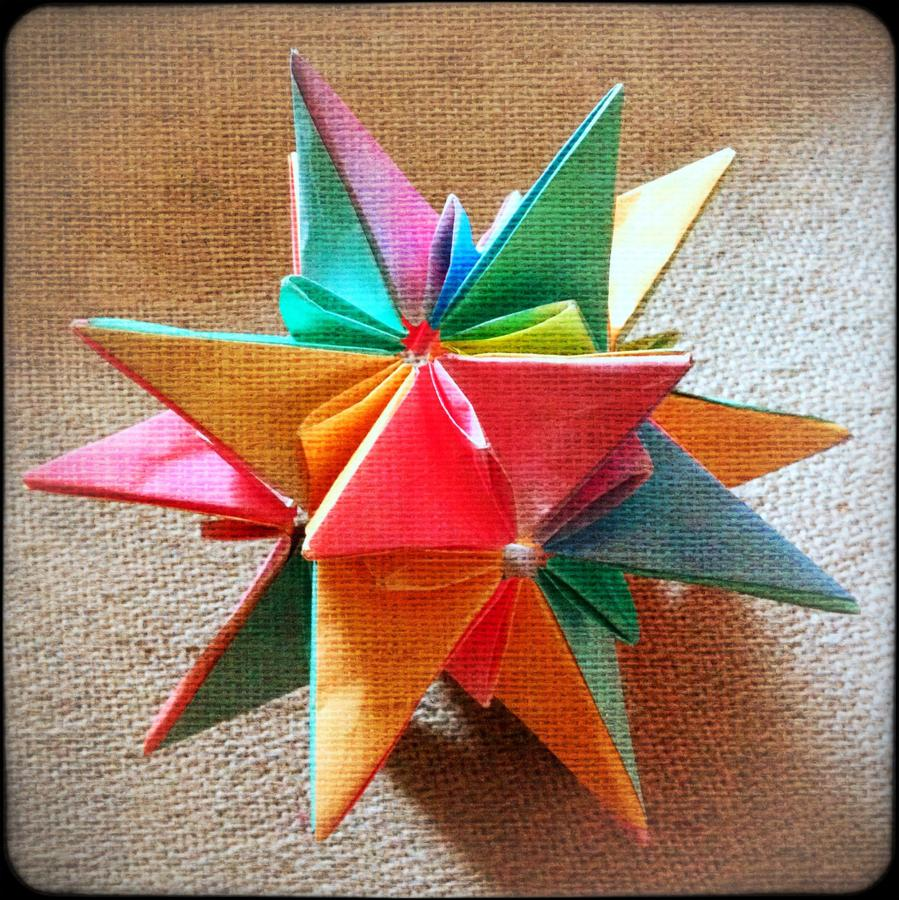 [Image: Kusudama 3 by @MissHBomb - Another colorful Kusudama (Origami Ball) complete! Nice.  on Propic]