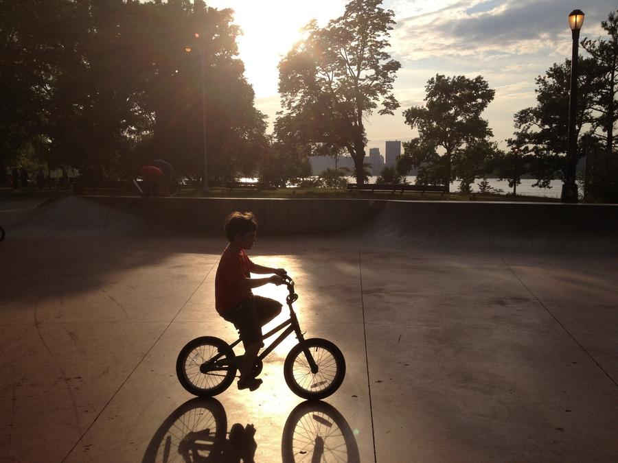 [Image: Image by @jasondiamond - So proud of my 5.5yr old little guy for shredding his first skatepark on his bike today. No fear AND wearing crocs. on Propic]