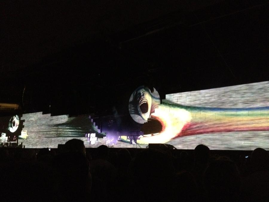 [Image: Image by @jasondiamond - This is the most fucking incredible show I've ever seen. #rogerwaters #thewall on Propic]