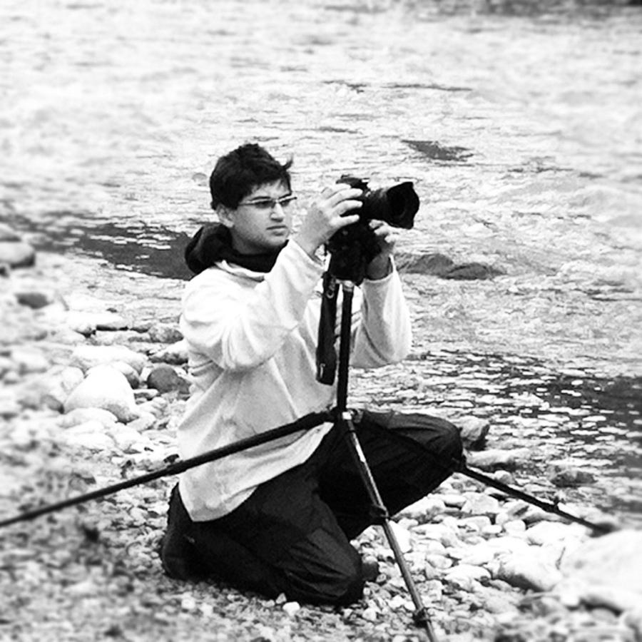 [Image: Image by @KrishanBansal - Shooting timelapse on the Colorado River. on Propic]