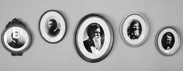 [Image: Image by @PhilipBloom - In the Studebaker house in South Bend. Lots of history here. Those dudes loved their beards! on Propic]