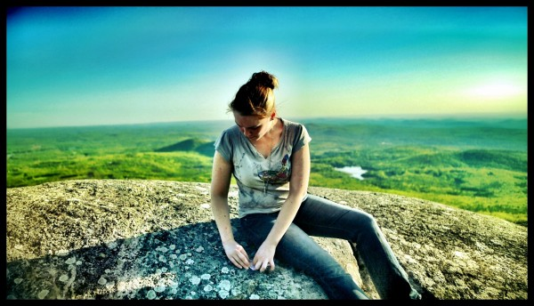 [Image: Photo1 by @MNS1974 - @miss_h_bomb folding Origami on the mountain top on Propic]