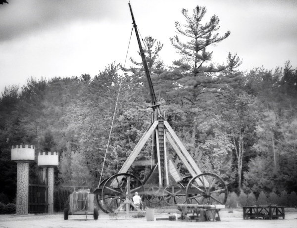 [Image: Photo by @MNS1974 - Yankee Siege Trebuchet - 4 time Guinness Record Holder on Propic]