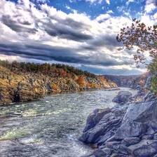 [Image: Mather's Gorge at the Great Falls. The light was absolutely beautiful on Saturday #fall #nature #snapseed]