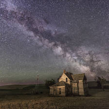 [Image: Old House MilkyWay by jkpikurgirl]