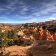 [Image: bryce-canyon-hiking by deloprojet]